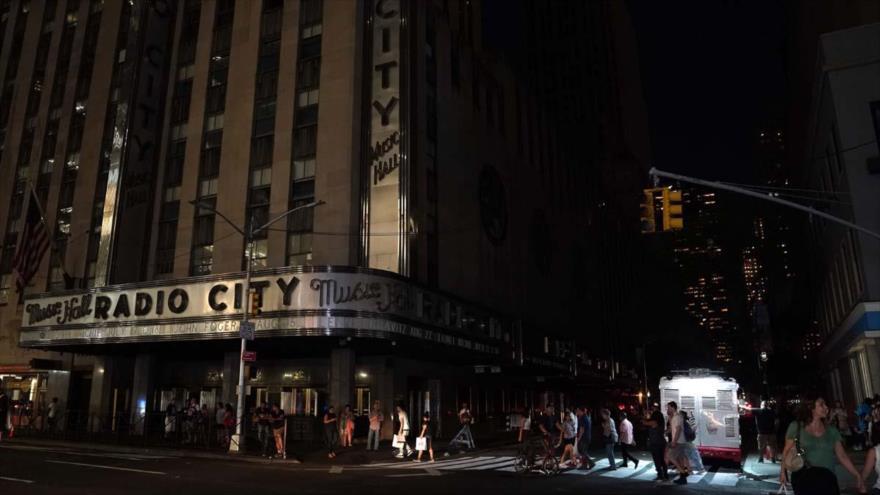 Apagón en Manhattan deja gran parte de Nueva York en oscuridad