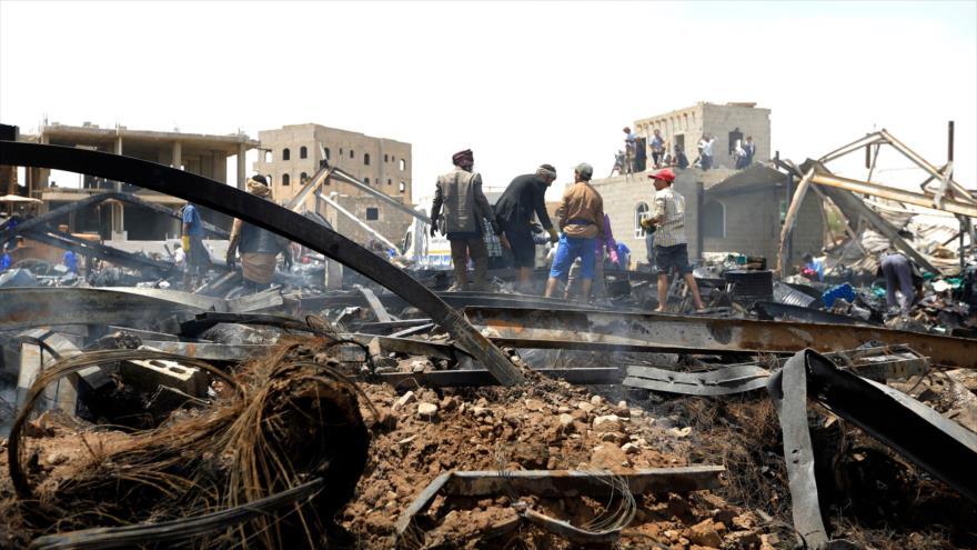 Casas destruidas por ataques saudíes en Saná, la capital yemení, 2 de julio de 2020. (Foto: AFP)