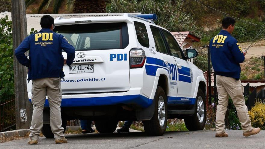 Personal de la Brigada de Homicidios y el Laboratorio de Criminalística de la Policía de Investigaciones (PDI), Chile.