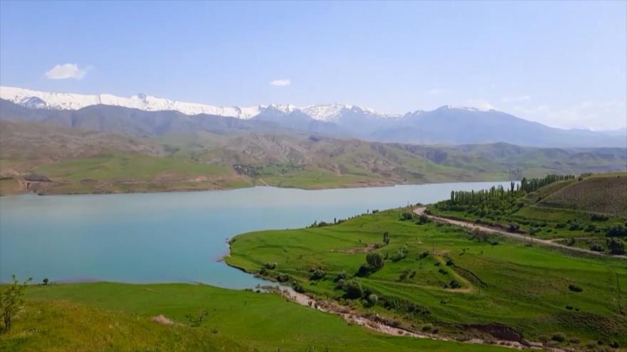 Irán: 1- Taleqan, presa y cascada Sholebon 2- La ciudad de Anarak