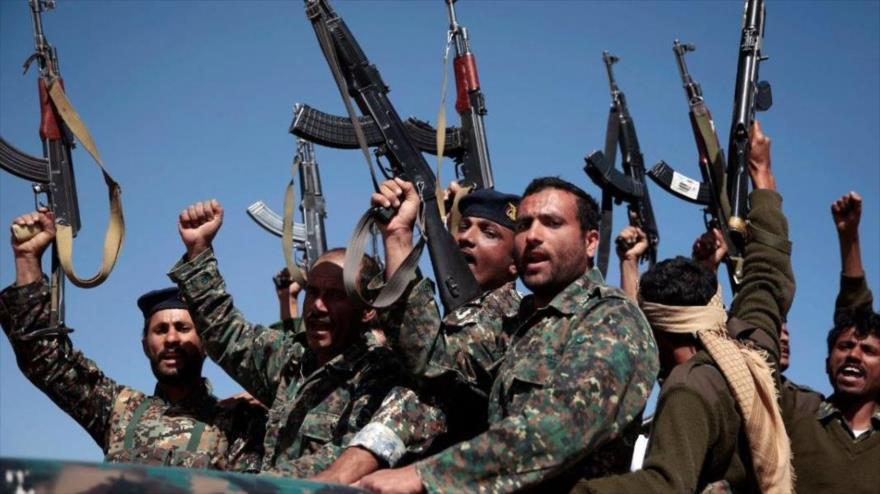 Las fuerzas de movimiento popular yemení Ansarolá.