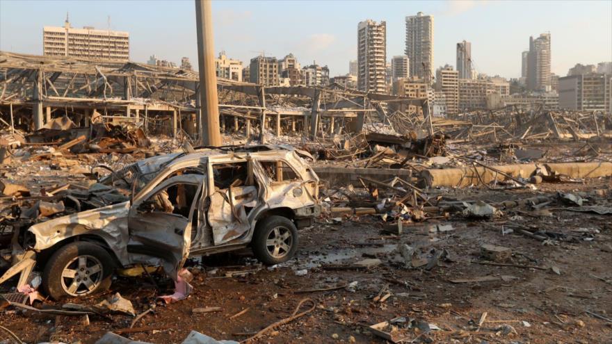 Edificios y vehículos destruidos como consecuencia de la explosión registrada en Beirut, capital libanesa, 4 de agosto de 2020.