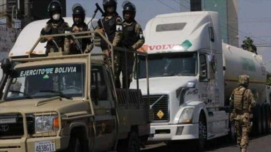 Soldados armados bolivianos en Santa Cruz, Bolivia, 10 de agosto de 2020.