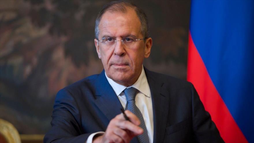 El canciller de Rusia, Serguéi Lavrov, en su despacho ministerial situado en Moscú, la capital rusa.