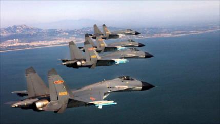 China despliega 36 aviones y helicópteros en la frontera con India