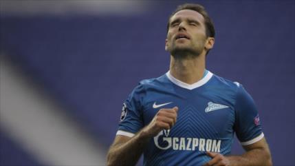 Vídeo: Excapitán de selección rusa patea a un árbitro en un partido
