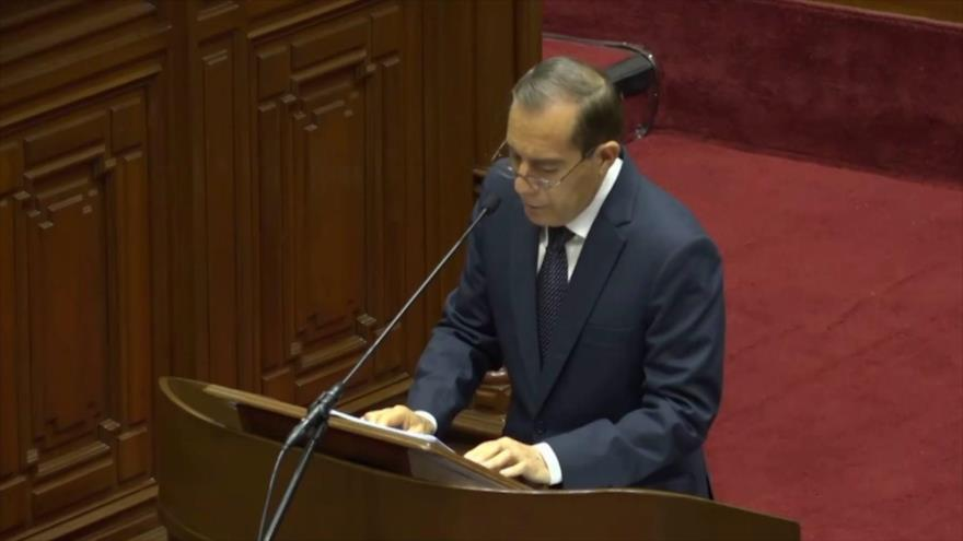 Congreso peruano otorga confianza al primer ministro Walter Martos