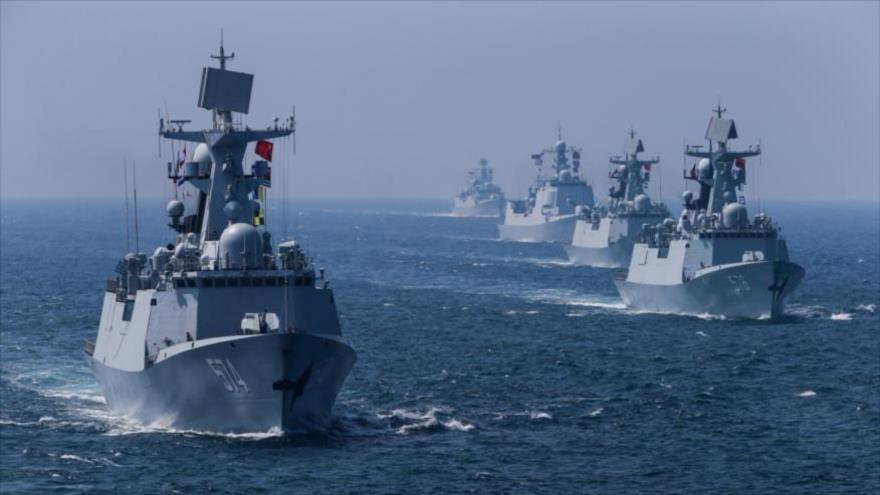 Una flota de barcos chinos participa en un ejercicio cerca de las costas de la provincia de Guangdong, 19 de septiembre de 2016.