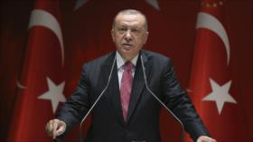 """Erdogan acusa a Macron de intentos """"colonialistas"""" en El Líbano"""