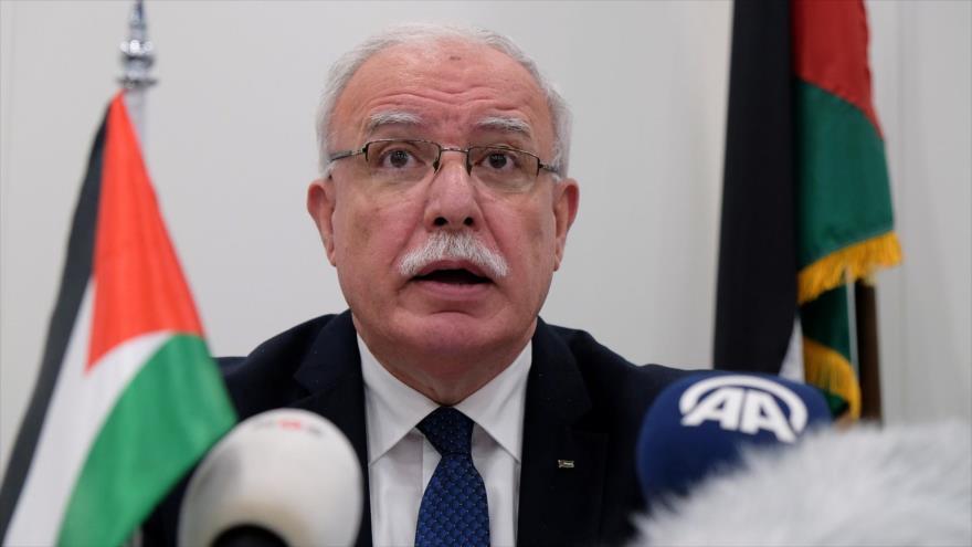 El canciller palestino, Riad al-Maliki, en una conferencia de prensa en la Corte Penal Internacional (CPI). (Foto: AP)
