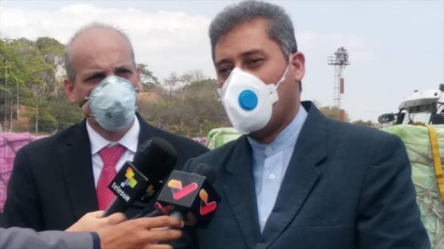 El embajador iraní en Venezuela, Hoyatolá Soltani (dcha.).