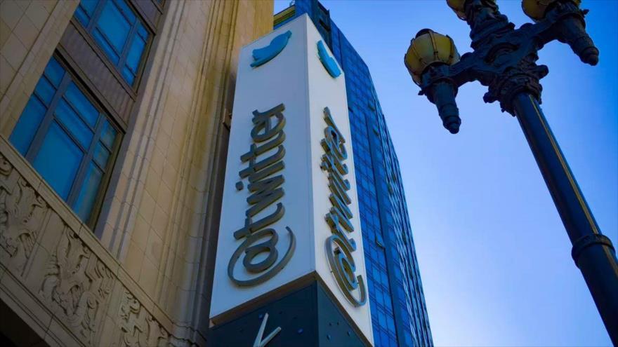 Hipocresía de Twitter al etiquetar medios como afiliados al Estado