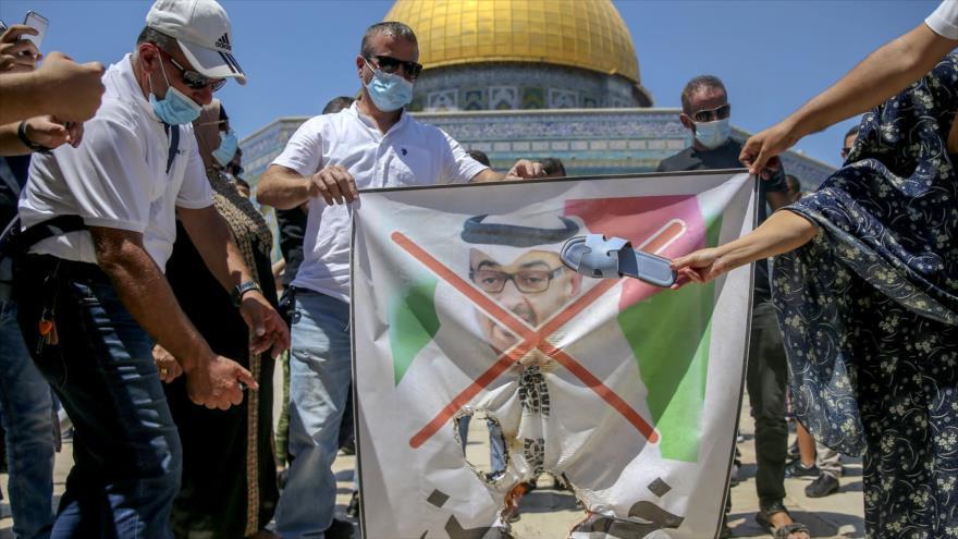 Vídeo: Traidores árabes alientan a Israel a seguir crímenes | HISPANTV