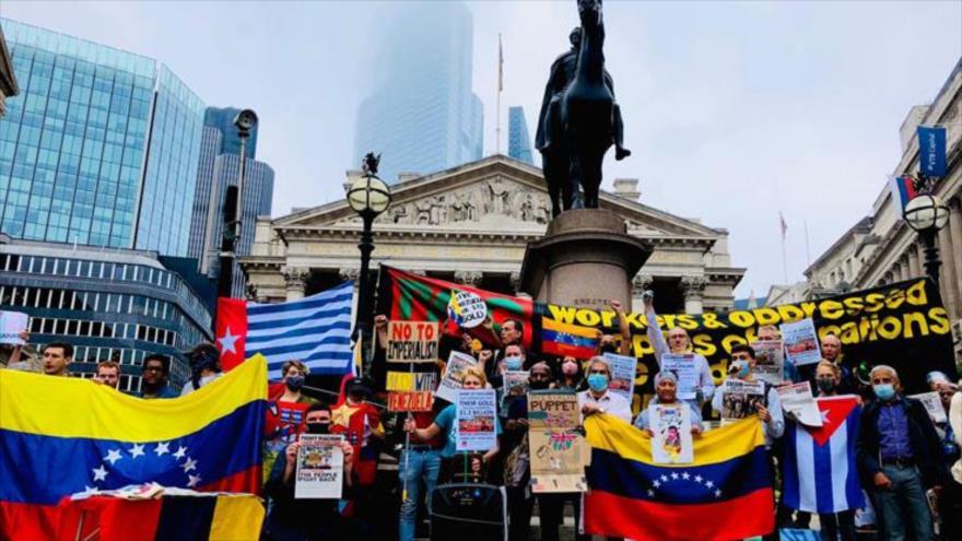 Protestan ante el Banco de Inglaterra por robo de oro venezolano
