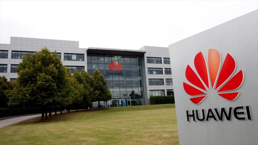 Logo de la empresa de telecomunicaciones china Huawei en una sucursal de la compañía en Londres, Reino Unido, 14 de julio de 2020. (Foto: Reuters)