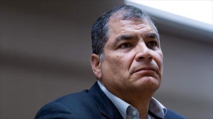 Correa se presenta como candidato a vicepresidente de Ecuador