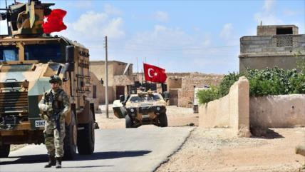 Explosión de coche bomba sacude base turca en noreste de Siria