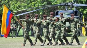 Colombia se prepara para lanzar incursión militar contra Venezuela