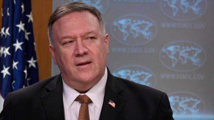 El secretario de Estado de EE.UU., Mike Pompeo, en una rueda de prensa en Washington, 25 de marzo de 2020. (Foto: AFP)