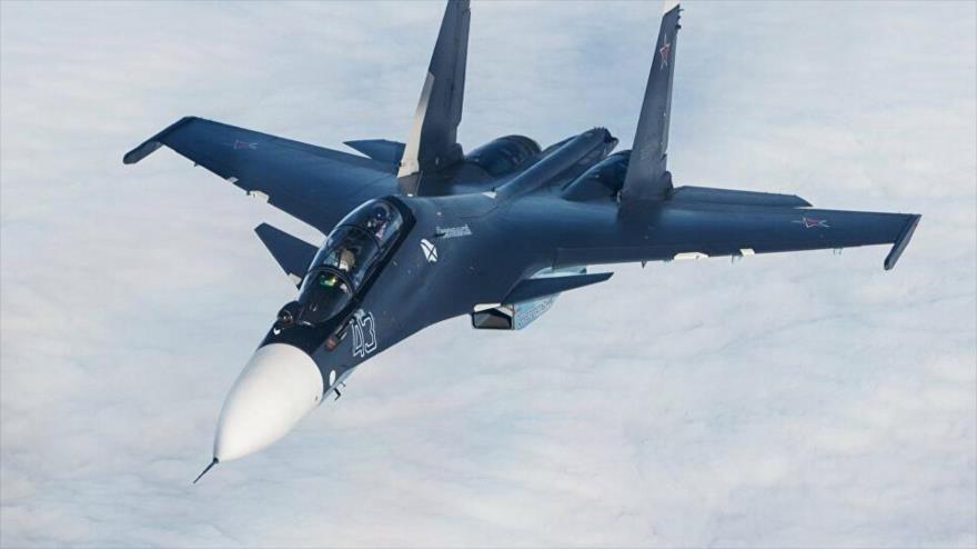 Un caza ruso Sujoi Su-30SM.