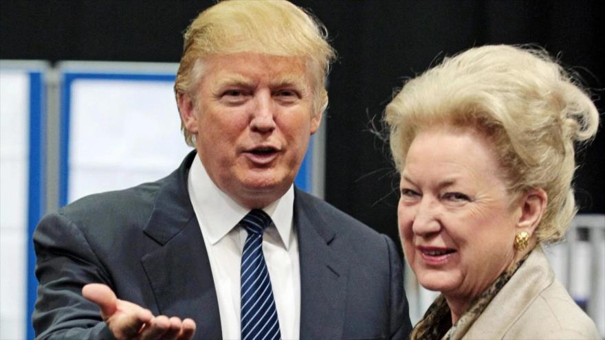 El presidente de EE.UU., Donald Trump, y su hermana, Maryanne Trump Barry, 10 de junio de 2008. (Foto: Getty Images)