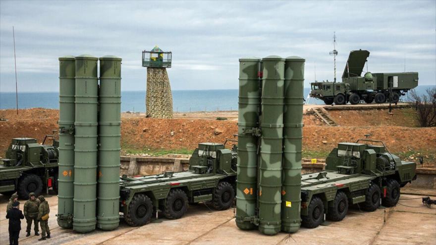 Sistemas rusos de defensa antiaérea S-400.