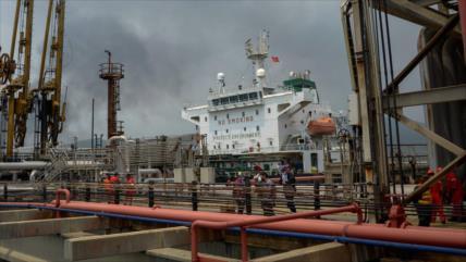 Maduro confía en ayuda de Irán ante desafíos de industria petrolera