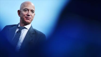 Fortuna de fundador de Amazon, cerca de superar hito histórico