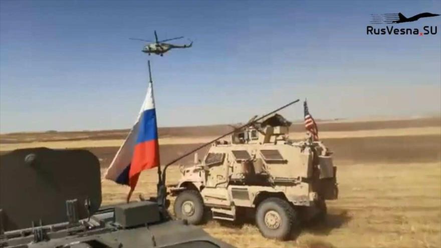 Vídeo: Patrulla rusa persigue un convoy militar de EEUU en Siria