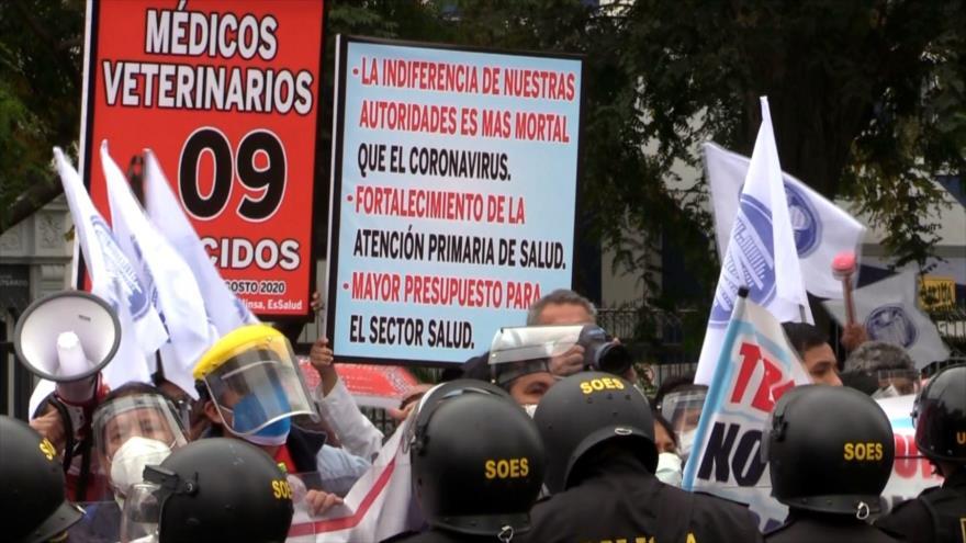 Médicos acatan huelga por incumplimiento de demandas en Perú