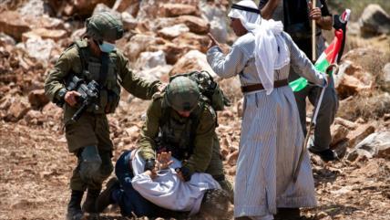 Fuerzas israelíes asaltan un hospital y detienen a palestinos
