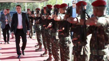 Bolsonaro tiene 5 días para explicar uso de militares en Amazonía