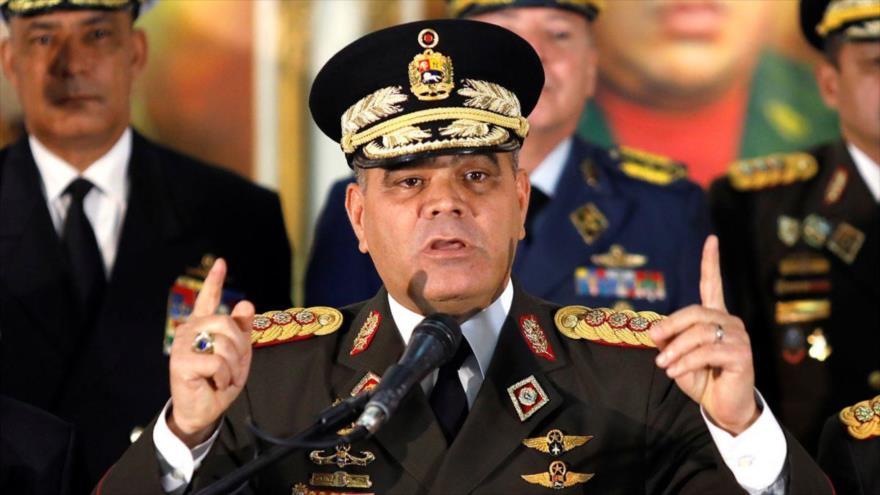 El ministro de Defensa venezolano, Vladimir Padrino López, ofrece una rueda de prensa en Caracas (capital), 24 de enero de 2019. (Foto: AFP)