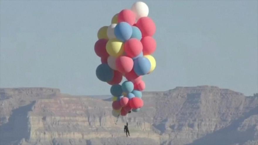 Vídeo: Vea cómo un mago vuela a 7500 metros de altura con globos