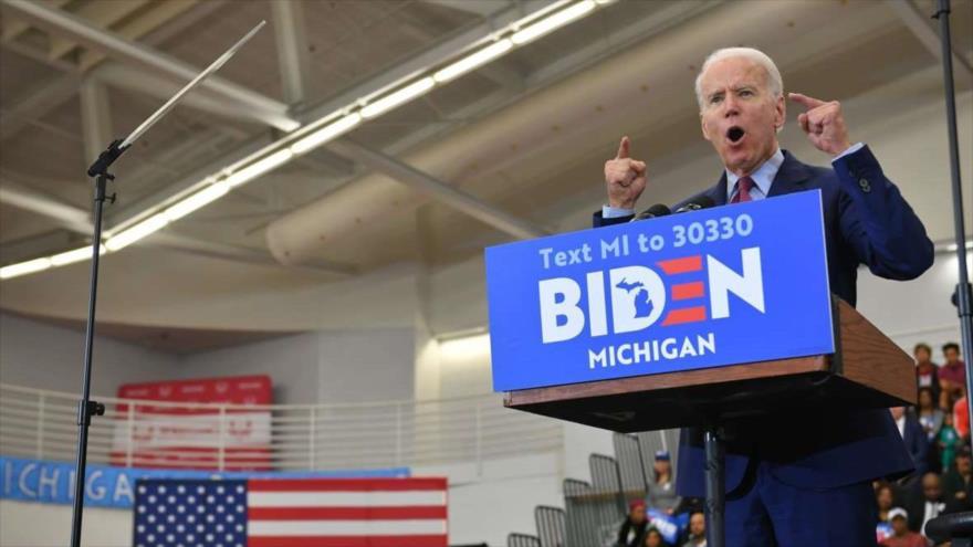El candidato presidencial demócrata de EE.UU., Joe Biden, habla durante un mitin de campaña en Detroit, Michigan, 9 de marzo de 2020.