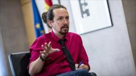 Podemos: Sólo los retrógrados defienden a la monarquía española