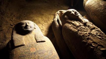 Vídeo: Hallan en Egipto 13 sarcófagos bien conservados de 2500 años