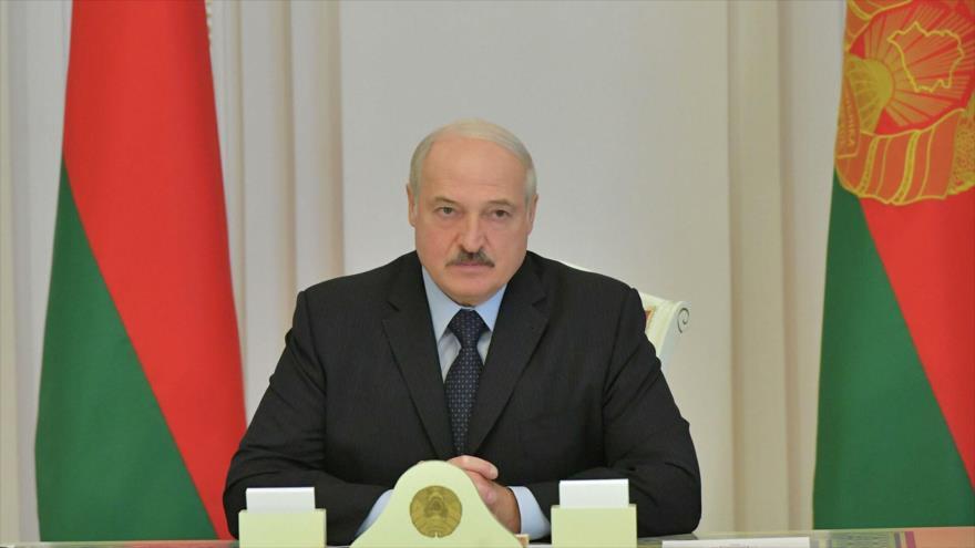Lukashenko habla del arresto de la líder opositora y sus colegas