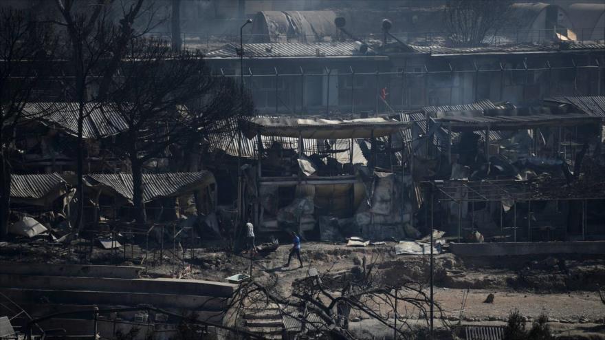 Un incendio arrasa el campo de refugiados de Lesbos en Grecia, 9 de septiembre de 2020.