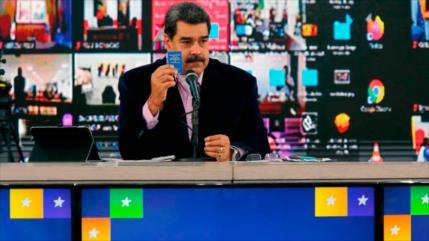 Maduro propone aplicar vacuna rusa a los candidatos parlamentarios