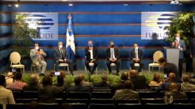 Critican al presidente dominicano por encuentros con la oposición
