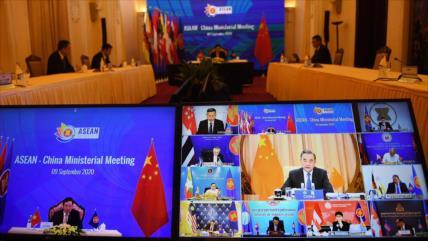 China urge esfuerzos de ASEAN contra el unilateralismo de EEUU