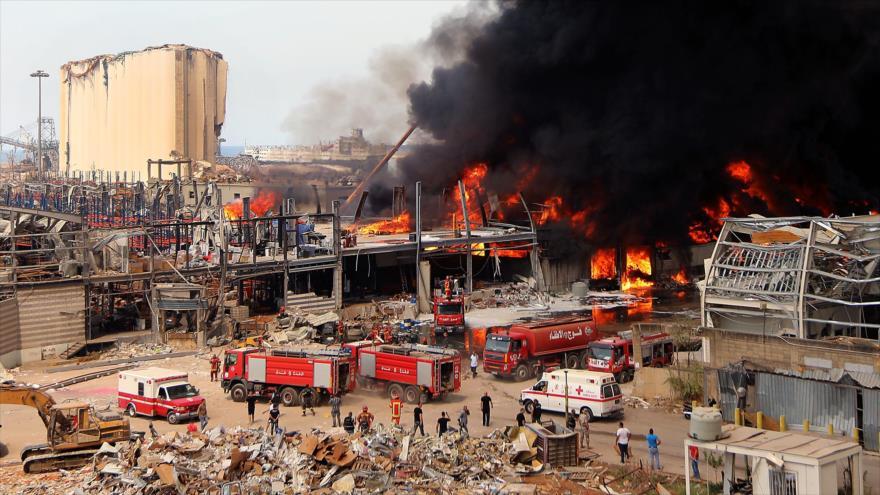 Gran incendio en el puerto de Beirut más de un mes tras explosiones