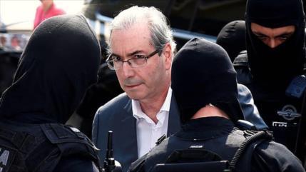Condenan a 15 años de cárcel al promotor de destitución de Rousseff