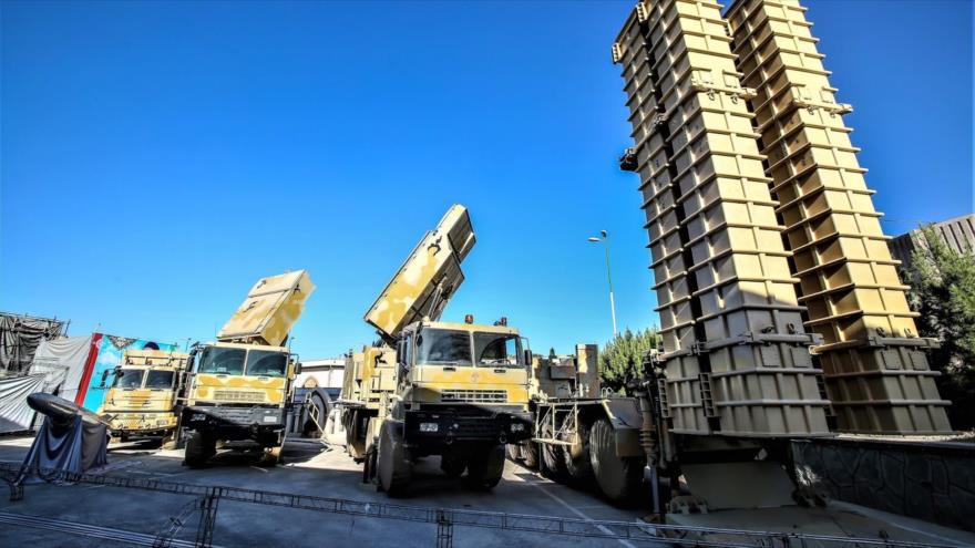 Baterías del sistema de defensa aérea de fabricación iraní Bavar 373.