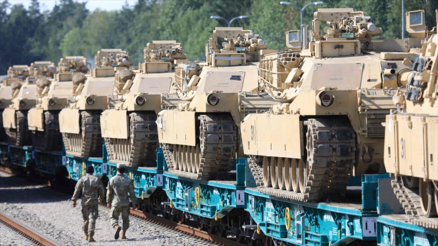 Los tanques Abrams del Ejército de EE.UU. en la estación de tren de Mockava en Lituania, 5 de septiembre de 2020. (Foto: AFP)