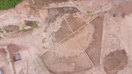Hallan en Francia tres tumbas de forma circular de hace 4000 años
