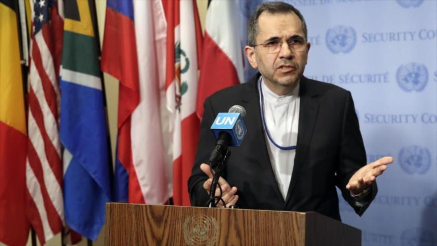 El representante permanente de Irán ante la ONU, Mayid Tajt Ravanchi, ofrece una rueda de prensa en Nueva York (EE.UU.).