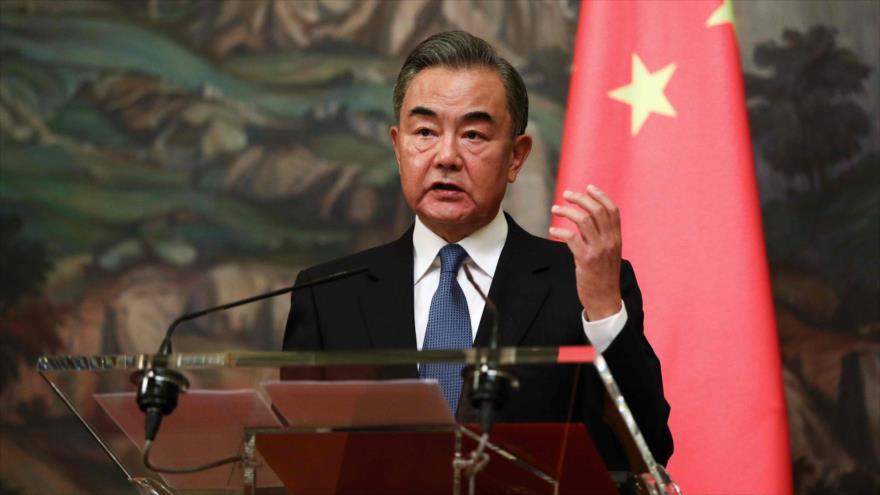 El canciller de China, Wang Yi, ofrece una rueda de prensa en Moscú, capital rusa, 11 de septiembre de 2020. (Foto: AFP)
