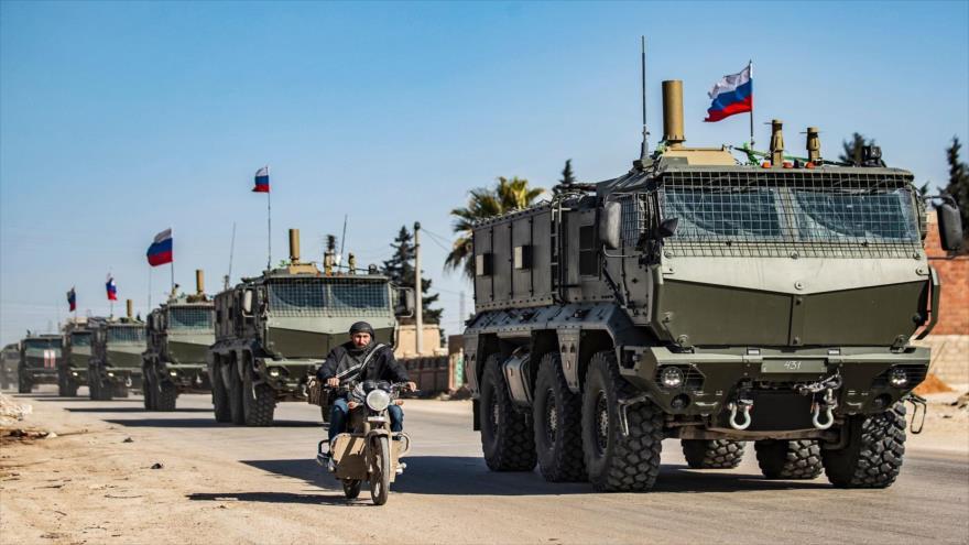 Vídeo: Helicópteros de EEUU rodean un convoy militar ruso en Siria   HISPANTV